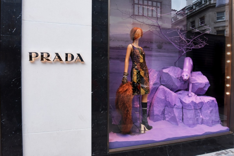 Prada Iconoclasts 2015: l'allestimento di Arianne Phillips nella boutique di Londra, il party