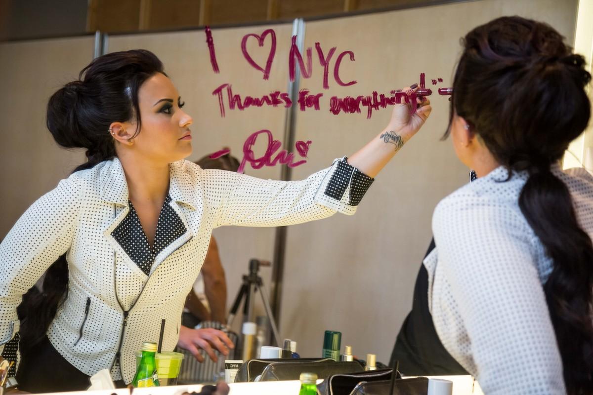 Demi Lovato New York Color