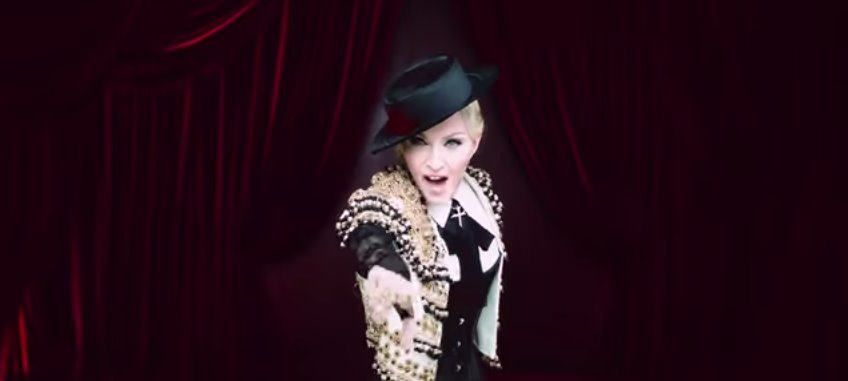 Madonna Living For Love video ufficiale