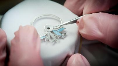 Perrelet Diamond Flower Amytis: l'eleganza e lo stile raffinato dei toni pastello