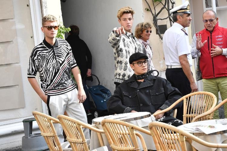 Dolce&Gabbana campagna pubblicitaria uomo primavera estate 2017: i giovani Millennials da Cameron Dallas a Presley Gerber