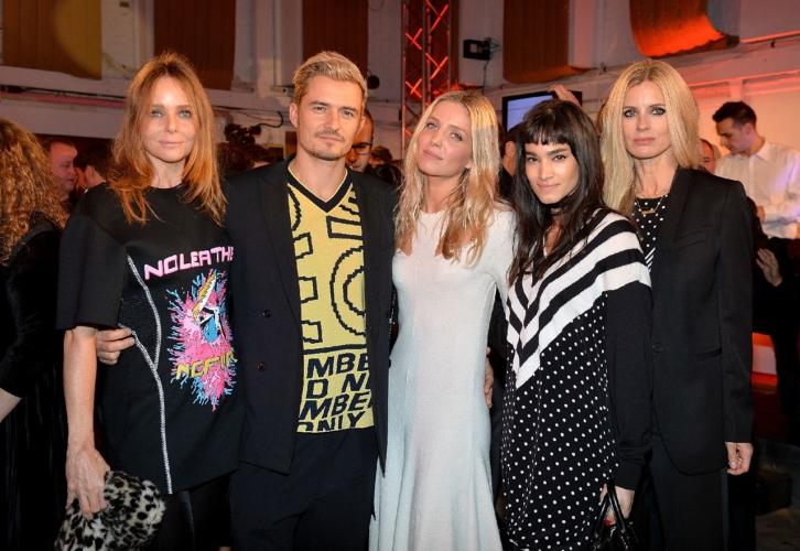 Stella McCartney Uomo: il party a Londra con Kate Moss, Salma Hayek, Orlando Bloom