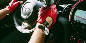 MINI John Cooper Works 2017: la capsule collection di guanti firmata The Outlierman