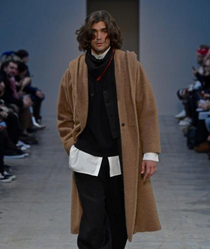 Milano Moda Uomo Gennaio 2018: la sfilata di Isabel Benenato, le foto