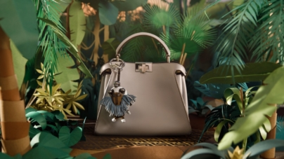 Fendi charm Space Monkey e Banana: il mondo tropicale per la primavera estate 2018