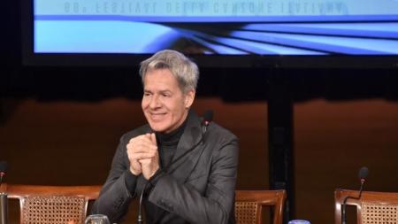 Festival di Sanremo 2018 Claudio Baglioni: il conduttore veste Ermanno Scervino