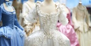 Museo Tessuto Prato Marie Antoinette: la mostra che racconta i costumi del film di Sofia Coppola