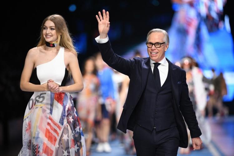 Tommy Hilfiger primavera 2018: la sfilata evento a Milano con Gigi Hadid