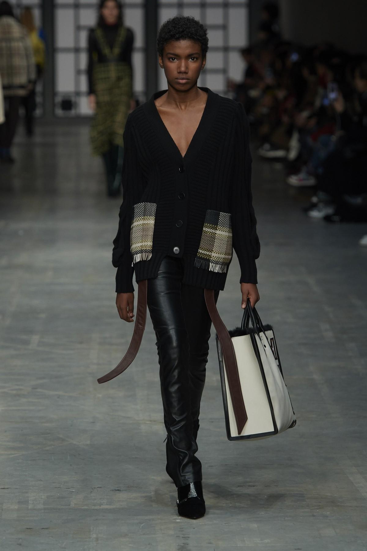 Maxi bag: la borsa è extralarge Rinascente Magazine