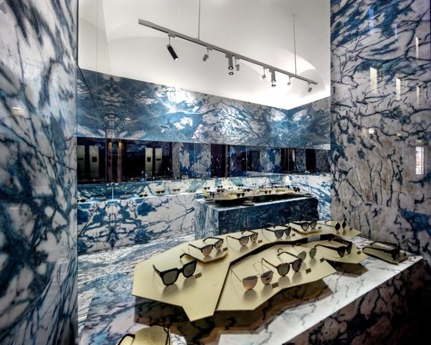 Hawkers Roma: aperto il nuovo flagship store e la Rosé capsule collection