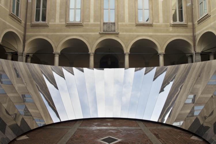 Fuorisalone 2018 COS: Open Sky, la grande installazione scultorea creata da Phillip K. Smith III