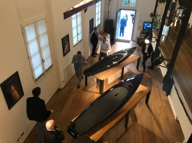 Fuorisalone 2018 Superfluid by BorromeodeSilva: il surf di lusso SUP – Superfluid Stand-up Paddleboard
