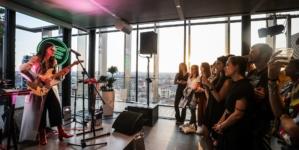 Polaroid Eyewear Spotify 2018: la live session a Milano con Joan Thiele