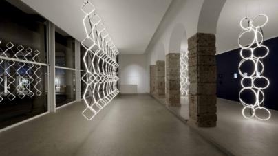 Flos lampade a sospensione Arrangements 2018: la nuova collezione di chandelier