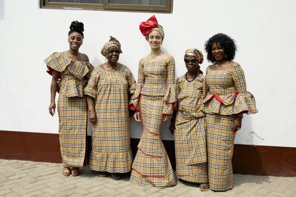 Burberry Pre Collezione autunno inverno 2018: la campagna Juergen x Adwoa in Ghana