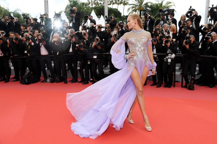 Festival di Cannes 2018 Blackkklansman red carpet: i look di Cate Blanchett, Bella Hadid e Natasha Poly
