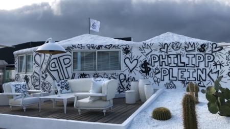 Philipp Plein St Tropez: il temporary store nell'esclusiva spiaggia Les Palmiers