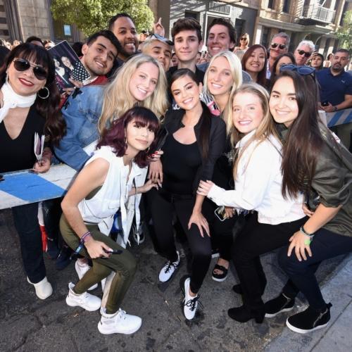 Puma Selena Gomez scarpe Defy: il party a Los Angeles celebra la nuova training silhouette