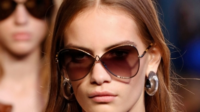 Altuzarra occhiali da sole primavera estate 2018: modelli unici, moderni e lussuosi