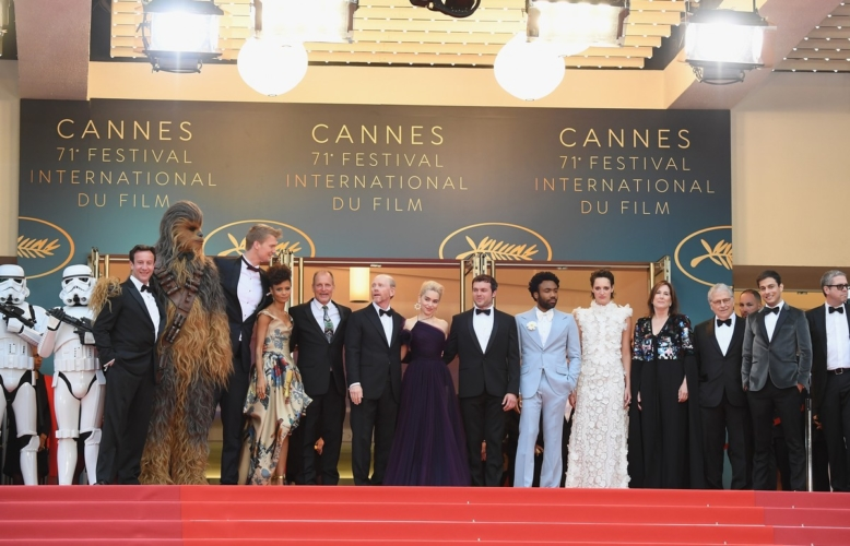 Festival di Cannes 2018 Solo A Star Wars Story red carpet: i look di Emilia Clarke, Thandie Newton e Woody Harrelson