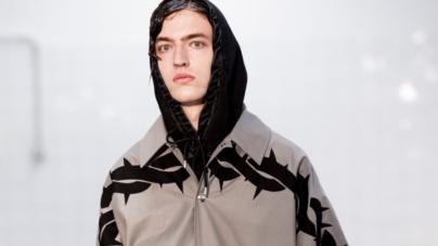 M1992 collezione primavera estate 2019: il surfwear diventa gotico, la sfilata
