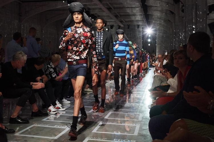 Prada Uomo collezione primavera estate 2019: il sexy basico di Miuccia