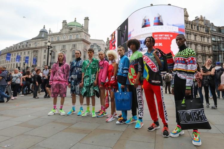Iceberg collezione uomo primavera estate 2019: il fashion street happening a Londra