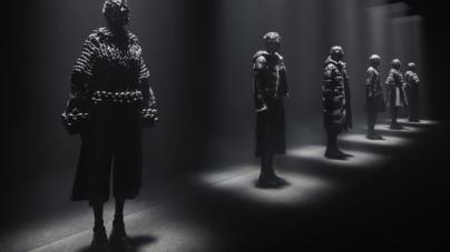 Moncler Noir Kei Ninomiya: la nuova silhouette punk romantica