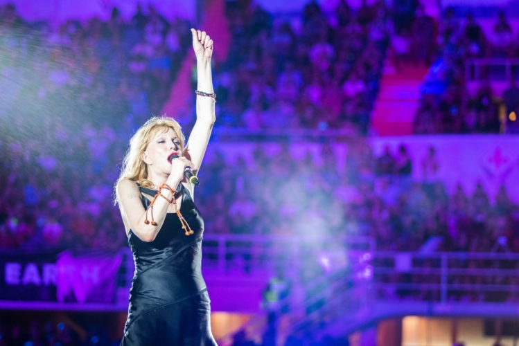 Rockin'1000 Firenze 2018: Courtney Love ha indossato un abito Diesel customizzato
