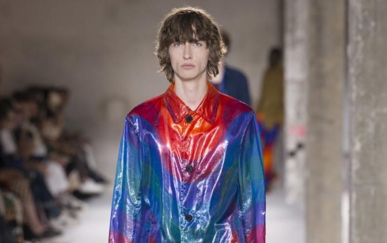 Dries Van Noten collezione uomo primavera estate 2019: l'intensità delle colorazioni di Panton
