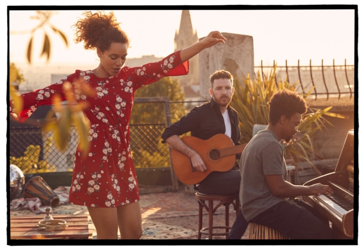 H&M Izzy Bizu campagna 2018: la capsule collection H&M Divided Music