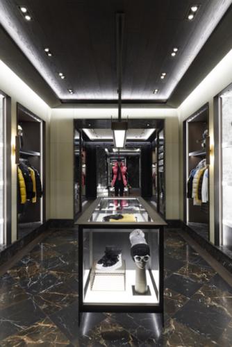 Moncler Oslo Norvegia: la nuova boutique nella suggestiva via Nedre Slottsgate