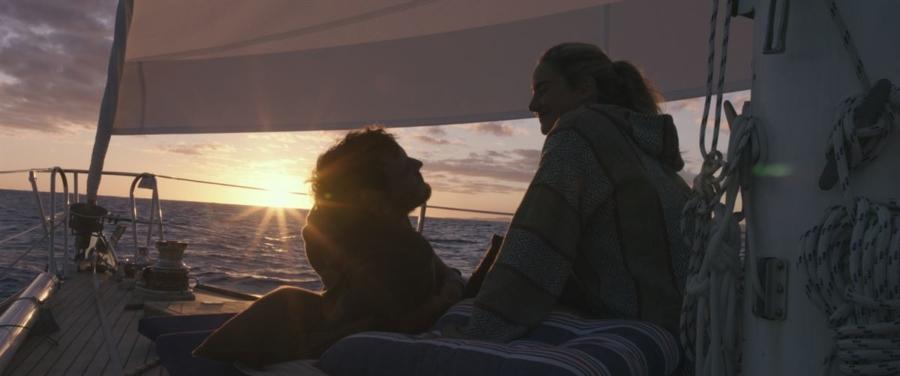Resta con me film 2018: Shailene Woodley e Sam Claflin in una storia d'amore e coraggio