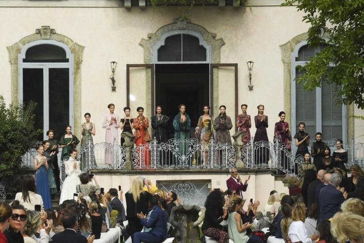 Curiel Haute Couture autunno inverno 2018 2019: echi d'arte e orientalismi sontuosi