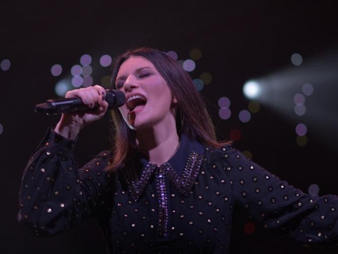 Laura Pausini Fatti Sentire Worldwide Tour 2018: il video de La Soluzione, le foto