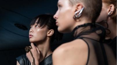 Moda donna primavera estate 2019 Ricostru: l'amore virtuale e la creazione poetica