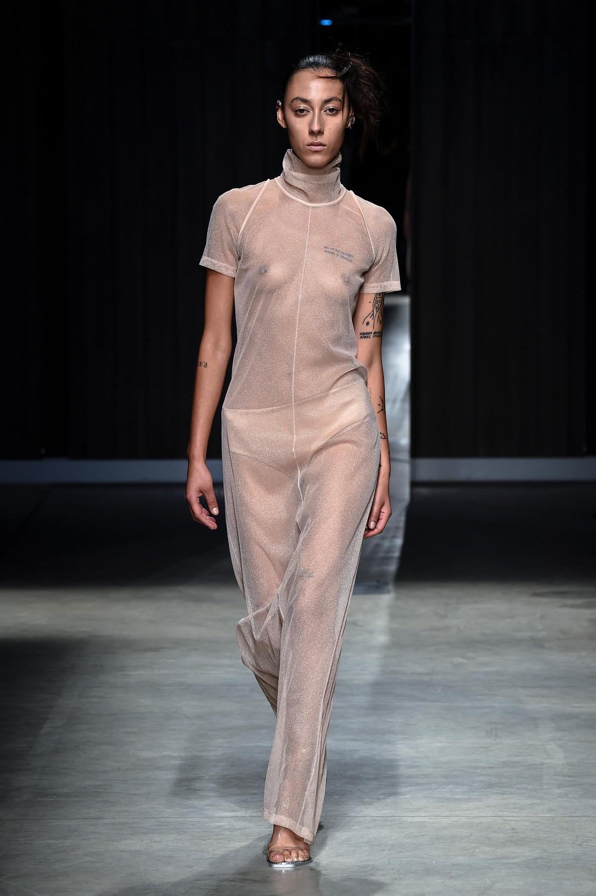 Moda donna primavera estate 2019 Ricostru