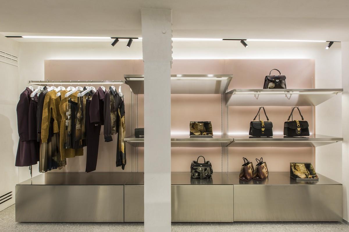 Moschino Parigi boutique rue Saint-Honoré
