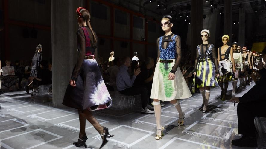 Prada Donna primavera estate 2019: la semplicità complessa, la sfilata a Milano