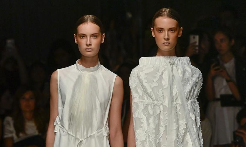Tendenze moda donna primavera estate 2019 Alberto Zambelli: le declinazioni del bianco