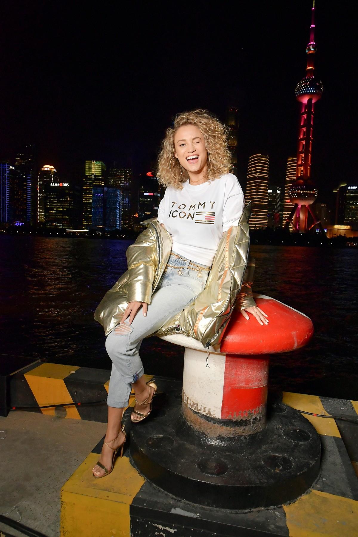 Tommy Hilfiger sfilata Shanghai Tommynow Icons