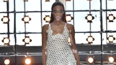 Tendenze moda primavera estate 2019 Byblos: contrasti metropolitani e accenti psichedelici