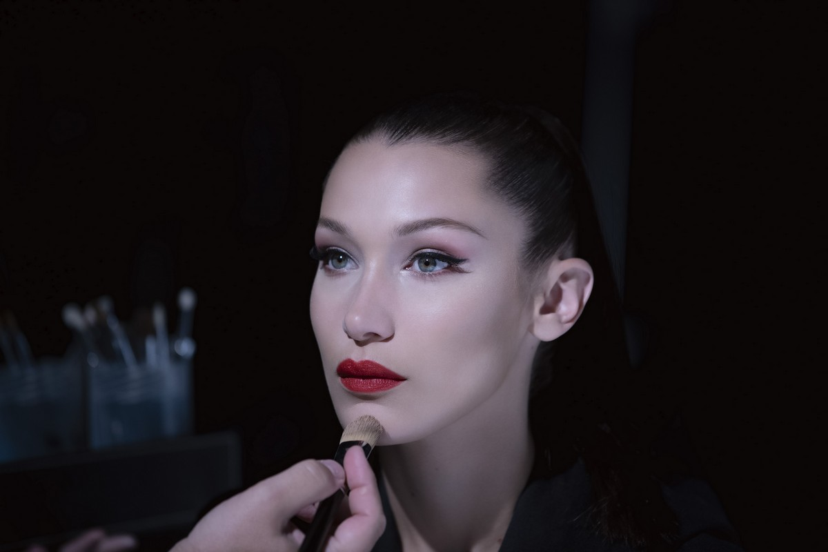 Dior make up Halloween Bella Hadid 2018