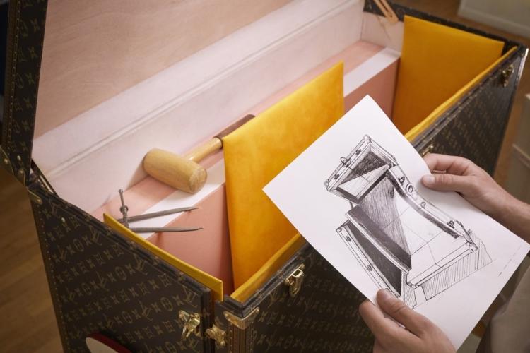 Louis Vuitton Johannes Vermeer La Lattaia: i capolavori dell'arte viaggiano con la Maison francese