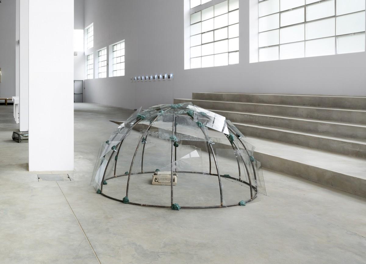 Pirelli HangarBicocca mostra Igloos