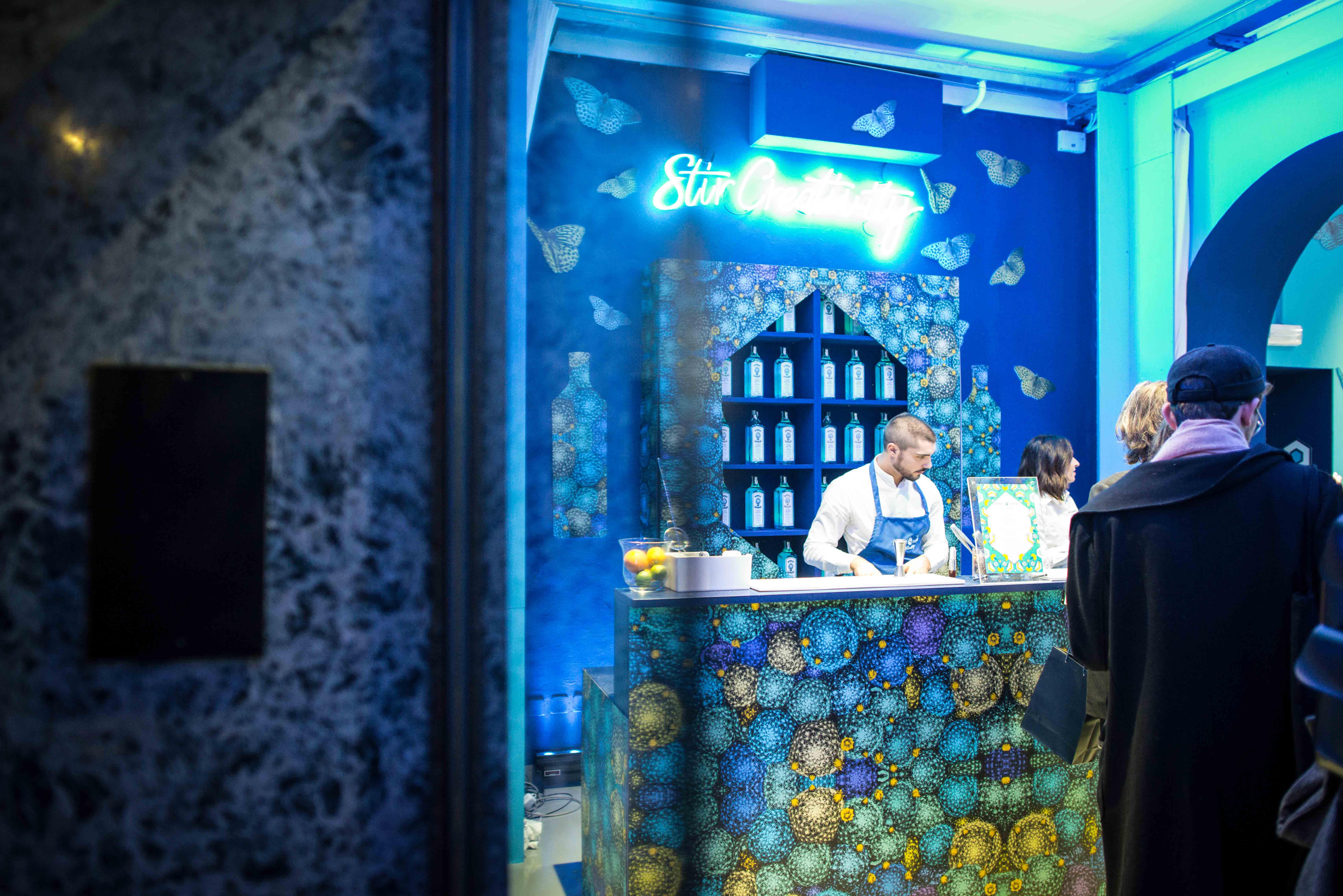 Bombay Sapphire Canvas Bar Milano