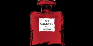 Chanel N°5 Red Editions: l'iconica fragranza si veste di rosso per Natale
