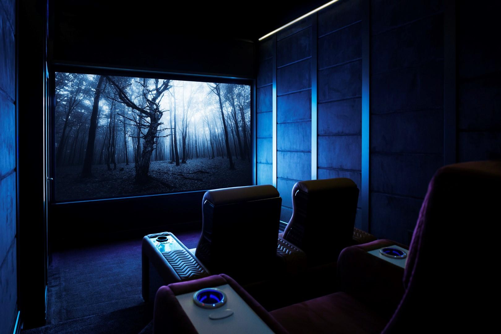 Sala cinema in casa moderna
