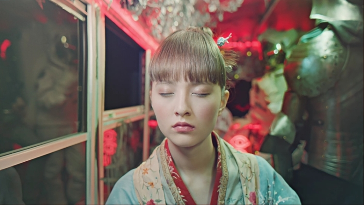 Shiseido The Party Bus