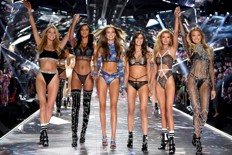Victoria's Secret Fashion Show 2018 modelle: la sfilata con gli Angeli